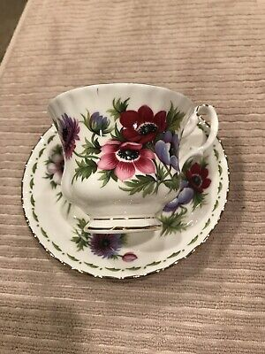 ROYAL ALBERT Bone China England Flowers MONTH ANEMONES MARCH Set Cup & Saucer