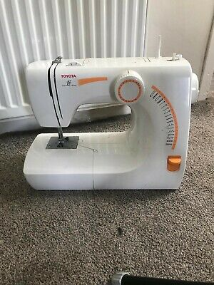 Toyota Sewing Machine Model SE91 RS2000 Series *Used Once* All parts in box