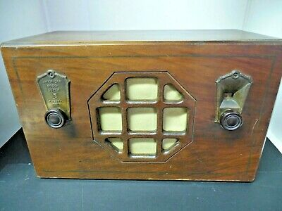 Vintage 1933 American 5 Bosch Tube Radio Model 305 with Vibro-Power!