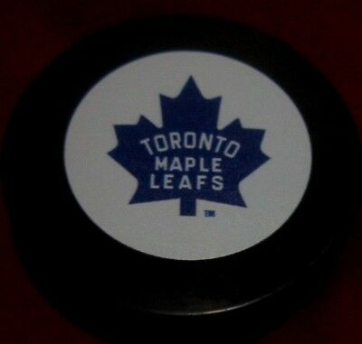 Toronto Maple Leafs 1967 cup Logo Souvenir Hockey Puck  VERY RARE
