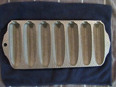 Vintage Griswold Hammered finish Cast Iron corn stick pan