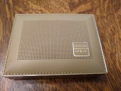 Vintage Zenith AM/FM Transistor Radio Model RB21L