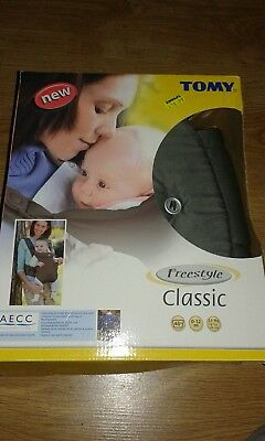 3334f56d2e9 New In Box Tomy Baby Sling Carrier 0-12 Mths Freestyle Classic
