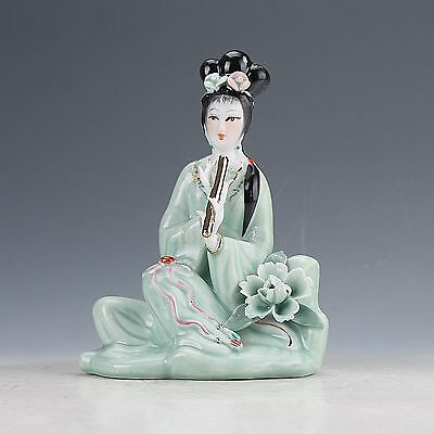 Chinese Famille Rose Porcelain Hand Painted Beautiful Gril .Statue
