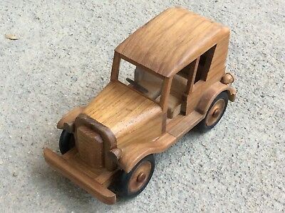 Wooden Car Modle Vintage Style Miniature Handcraft Toy Collectibles