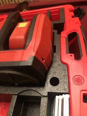 Hilti PLT 300 Precision Layout Tool W/ case battery  Target plate POA 26