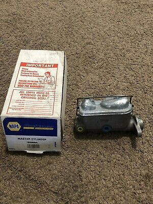 NOS A1 Cardone Industries 10-1676 Remanufactured Master Brake Cylinder