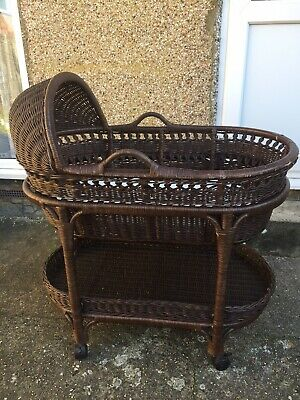 Baby Crib/ Moses Basket/ Vintage Wicker