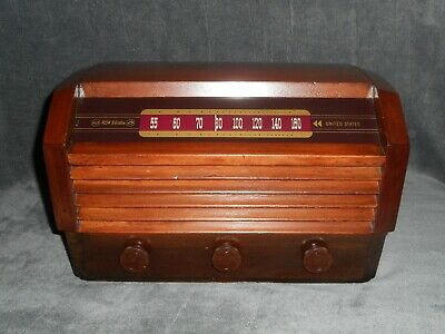 Fully restored & working vintage 1945 RCA model 56X3 tube radio