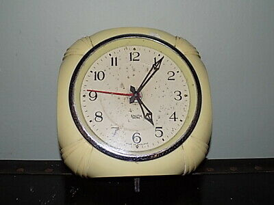 Vintage Smith Sectric Wall Clock- Creamy Colour Bakelite case Art Deco style