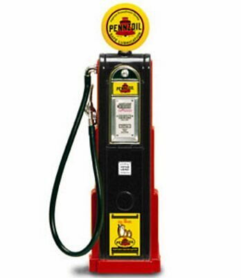 New In Box Road Signature 1//18  Diecast  Gilmore  Roar  Cylinder Gas Pump