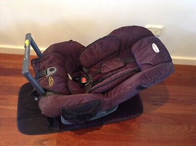 Britax Safe n Sound Royale Baby Convertible Car Seat