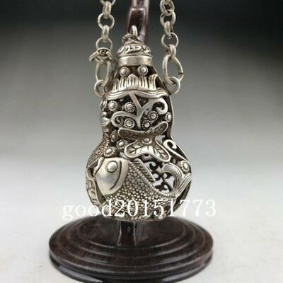 Chinese ancient Tibet silver hollow out snuff bottle, hand carved gourd.