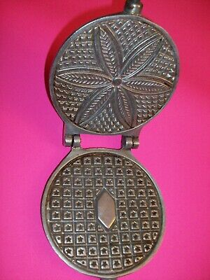 Berarducci Bros 130-WB Vintage Metal PIZZELLE Handheld Maker Waffle Iron Cookie!