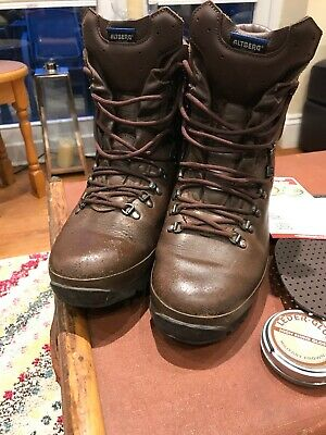 Altberg Defender Boots Size 10 M Used In Great Condition