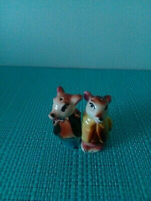 Small pigs Salt And Pepper Shakers.