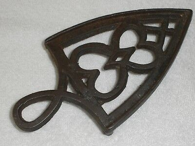 ANTIQUE CAST IRON TRIVET C. Late 1800's Possibly Perin & Graf Iron Stand VGC
