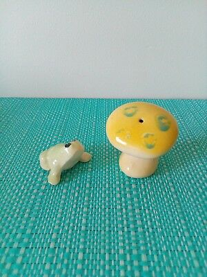 Mushroom and frog Salt And Pepper Shakers.
