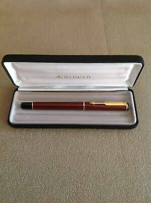 Parker Gold Trim Fountain Pen New