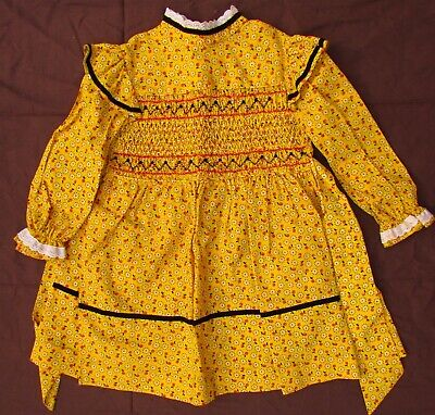 Polly Flinders Size 5 Hand Smocked Dress Girls Dresses