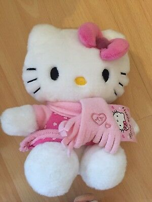 Hello Kitty Stofftier mit Schal / Winter