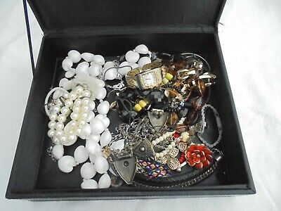 Job lot of vintage jewellery items for craftwork