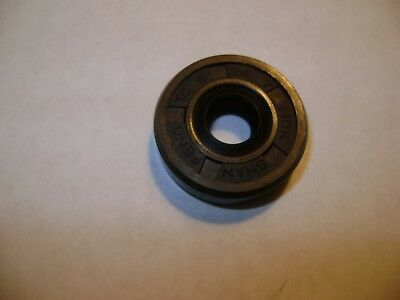 New Tc 8X24X7 Double Lips Metric Oil / Dust Seal With Garter Spring