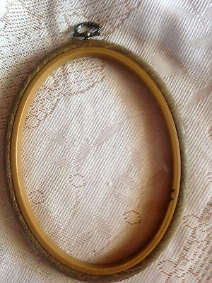 Oval Embroidery Frame 16 Cm X 12 Cm    * Used *