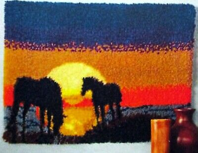 """Latch Hook Horse Rug  Kit  """" Grazing At Sunset"""""""