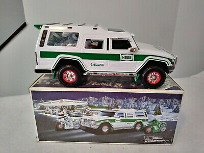 "Hess Truck 2004 ""Sport Utility Vehicle"" with Motorcycles ~ New in Original Box"