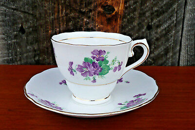 Colclough Fine Bone China Old Fashioned Violets Pattern Teacup & Saucer England