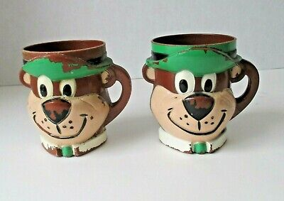 Yogi Bear lot of 2 plastic handled cups Hanna-Barbera 3.5 inches tall made in US