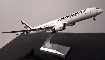 Maquette AIR FRANCE BOEING 787-9 Dreamliner au 1/200 En Plastique