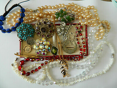 Job lot joblot of vintage costume jewellery necklaces, brooches, pearls etc