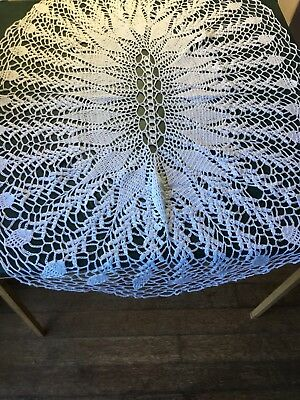 Vintage Hand Crocheted White Oval Tablecloth (105cm x 75cm)