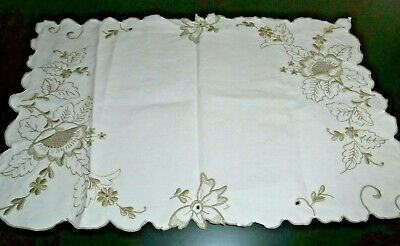 VINTAGE OFF WHITE COTTON with MADEIRA HAND EMBROIDERY TABLECLOTH/TABLE RUNNER