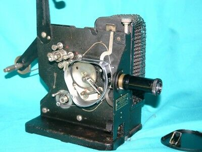 KODAK MODEL C  16mm SILENT MOVIE PROJECTOR. CIRCA 1920'S GOOD WORKING CONDITION