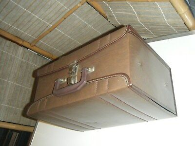 Vintage retro music cassette storage case two sides holds 60 tapes