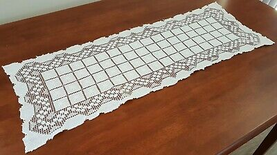 Vintage 60s CREAM FLORAL Tatted Crochet LACE Shabby Chic Table Centre RUNNER