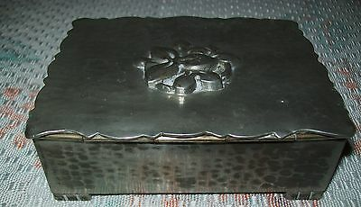 VINTAGE 'ARENDAL' HAMMERED PEWTER CIGARETTE / TRINKET BOX (wood lining)