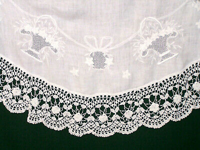 """Spectacular Vintage Irish Lace & Linen Tablecloth Topper 40"""" Dia. Whitework 1920"""