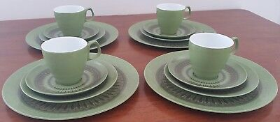 Vintage 70s HOLLYWOOD TAMCO Australia GREEN 16 Piece Picnic CUP PLATE SAUCER Set