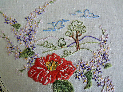 COUNTRY CAMELLIA SCENE  Stunning Vintage Hand Embroidered Table Centre Doily