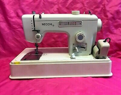Vintage Heavy Duty Necchi MOD-538 Zig-Zag/Pattern Sewing Machine w/Case - Nice!!
