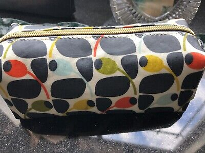 17c86d2933b3 Orla Kiely for Target Pencil Multi Olive Cosmetic Makeup Bag Travel  Organizer