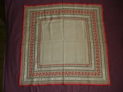 #498  Beautiful Vintage Hand Embroidered Tablecloth  100cm/100cm(39''/39'')