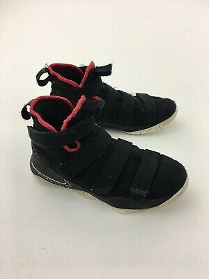 53bd8cddcfb84 Nike LeBron James Soldier XI Basketball Shoe 918369-002 Youth Size 5.5Y