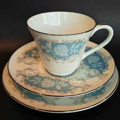 """EXQUISITE  Vintage TRIO SET FROM AYNSLEY """" Moonlight Rose"""""""