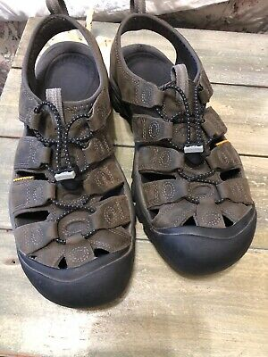 d871d77d2877 KEEN Bungee Brown Closed Toe Trail Hiking Sport Water Sandals Men s US 10