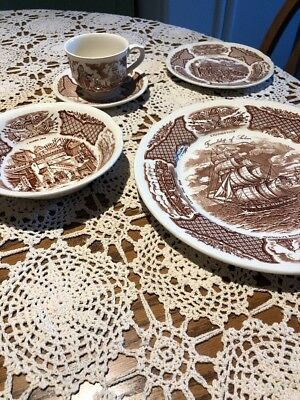 Vtg. Alfred Meakin FAIR WINDS STAFFORDSHIRE  Transfer Ware 5 Piece Place Setting
